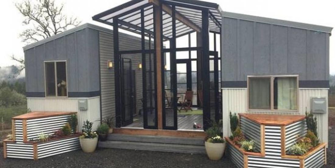 Ces deux mini-maisons connectées par un solarium sont tout simplement époustouflantes!