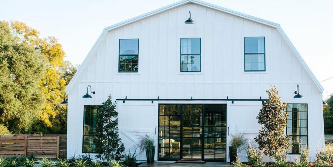 Un couple transforme une vieille grange en luxueuse demeure
