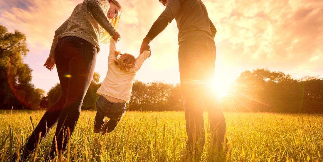 5 astuces pour élever vos enfants sans trop les couver