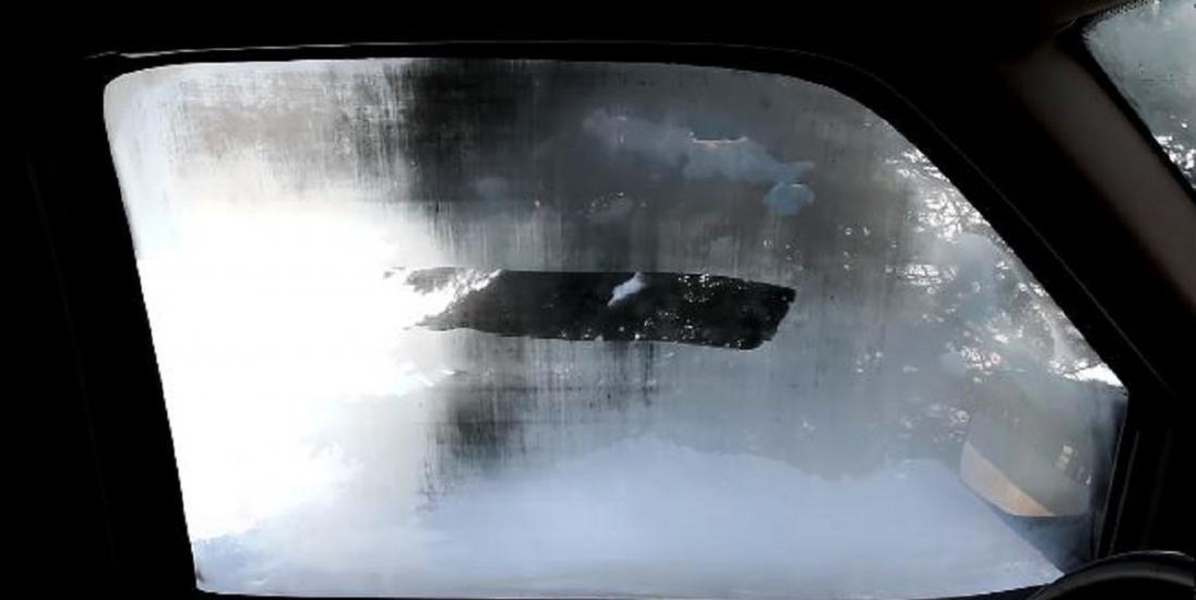 Comment empêcher la buée dans les vitres de votre voiture cet hiver