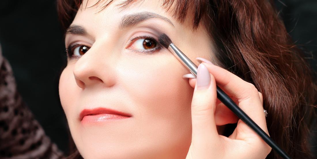 9 trucs de maquillage tous simples pour vous rajeunir de quelques années