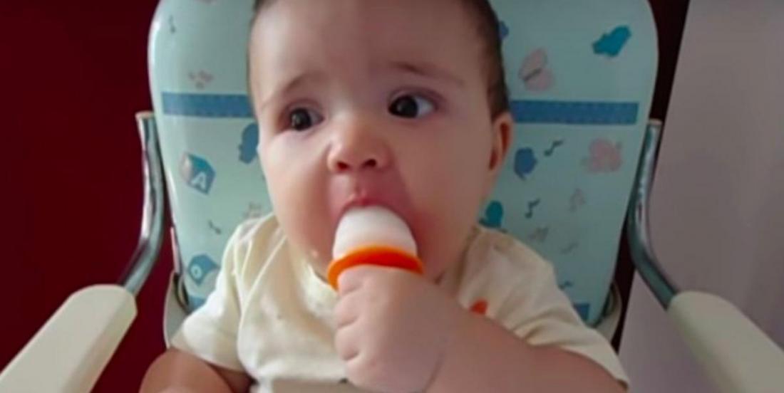 Pour soulager bébé, offrez-lui un popsicle au lait maternel!