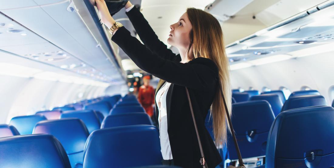 8 choses à éviter de porter durant un voyage en avion