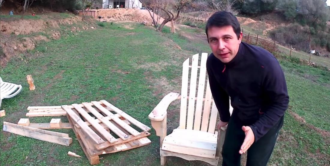 Fabriquez facilement une chaise Adirondack avec du bois de palettes!
