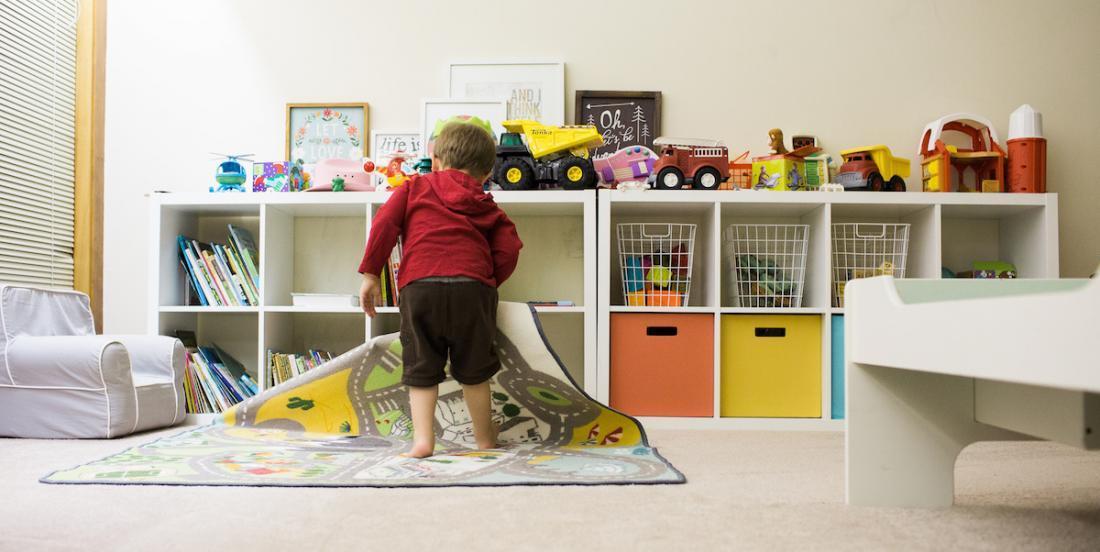 Comment apprendre à vos enfants à ranger leur chambre, selon leur âge