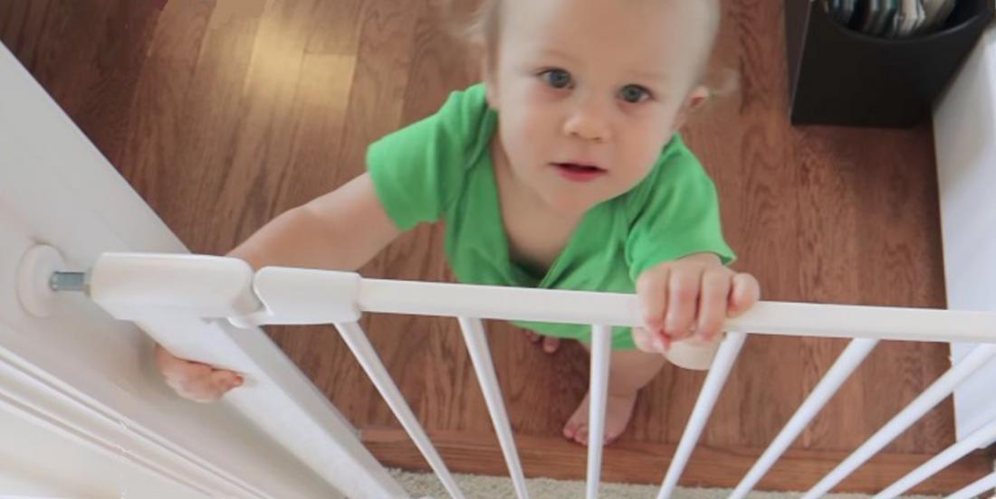 Bébé commence à marcher? Voici 12 astuces simples pour rendre votre maison sécuritaire