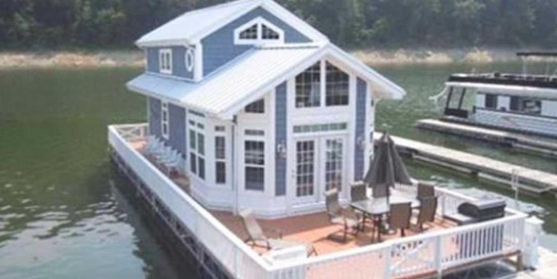 Ce cottage sur l'eau vous donnera envie de vous y installer!