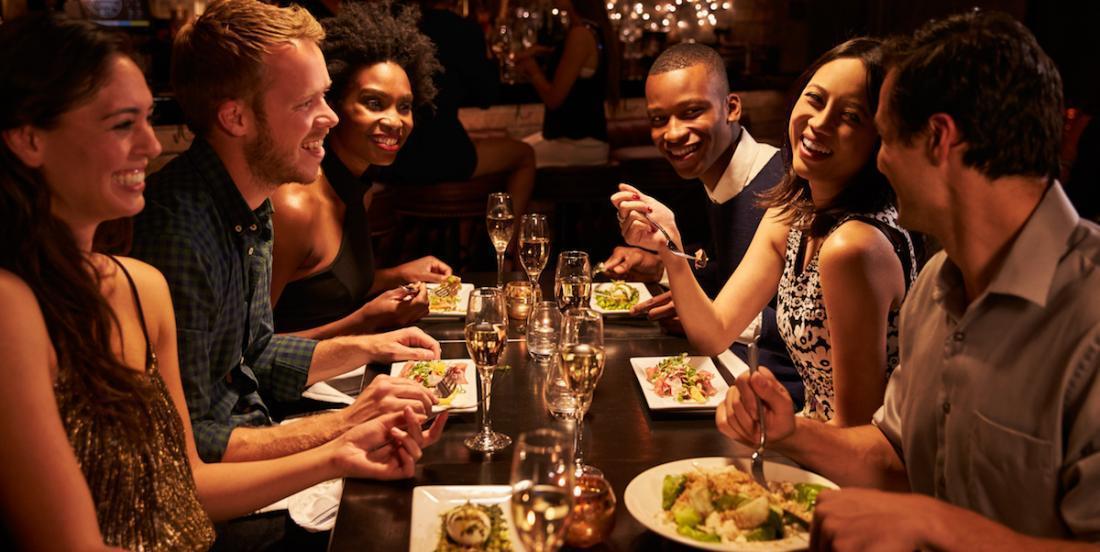 Voici 15 aliments à ne pas manger au restaurant, selon des professionnels du milieu