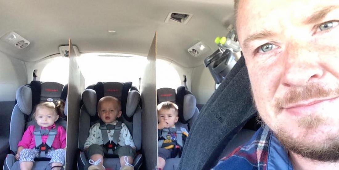 Ce papa invente un judicieux système pour que ses triplés ne se disputent pas en auto