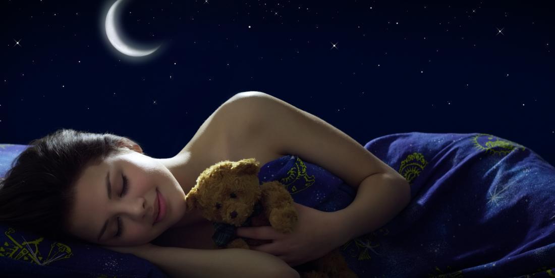 Dormez-vous sur le côté? Si oui, voici une astuce pour éviter d'avoir mal au dos