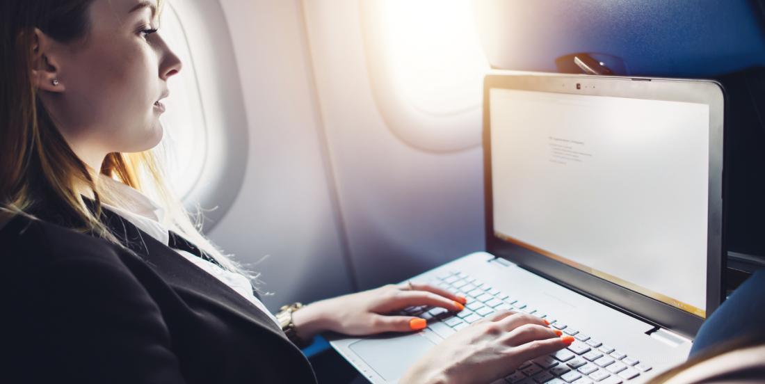 Les raisons pour lesquelles vous devriez toujours être bien habillé en prenant l'avion