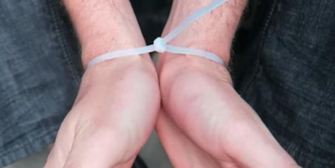 Si vous êtes ligoté, libérez facilement vos mains en quelques secondes!