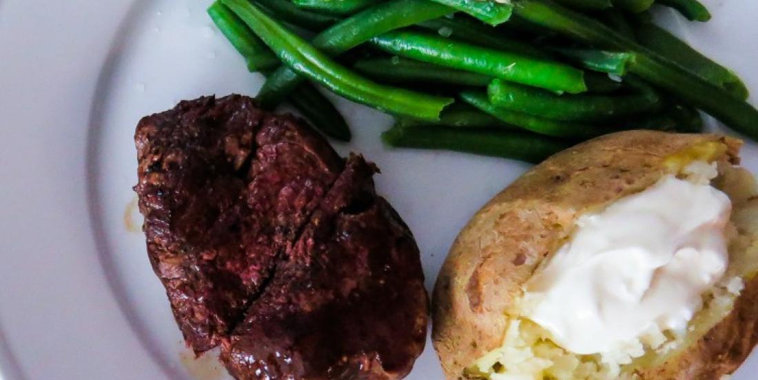 Voici comment cuire parfaitement un steak sans BBQ