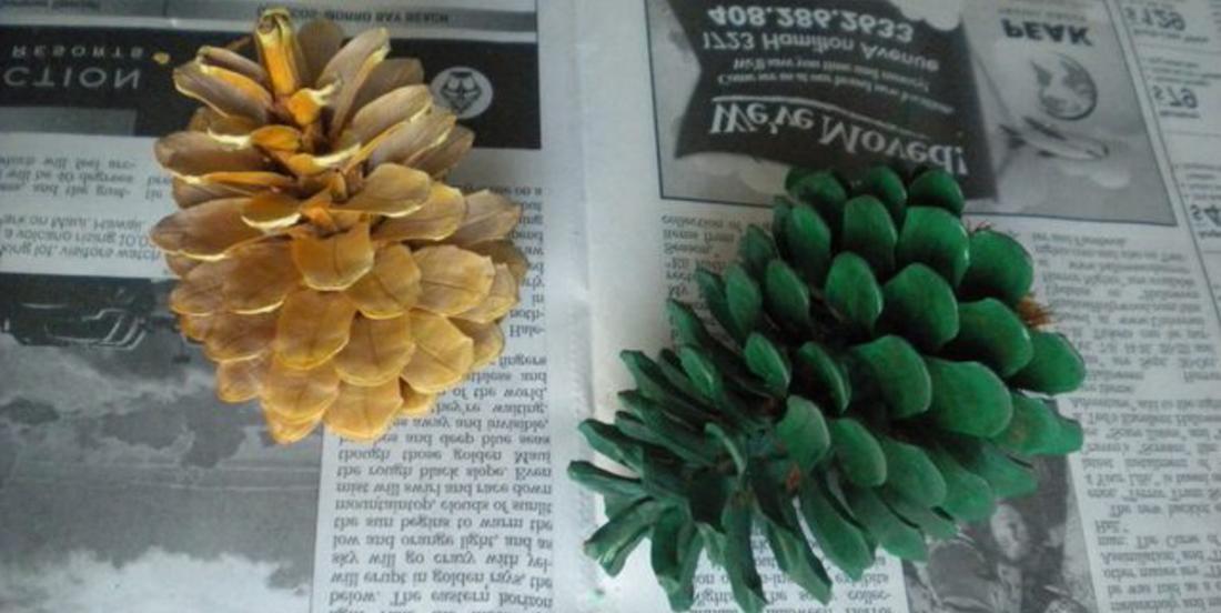 Comment fabriquer des sapins de Noël miniatures à partir de cocottes de pin!