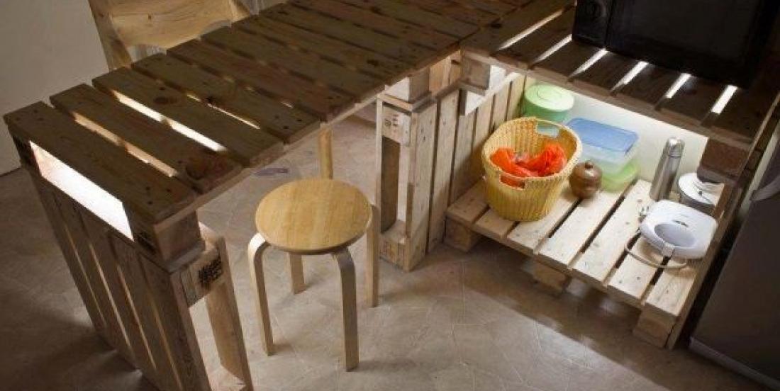 15 jolis îlots de cuisine fabriqués à partir de palettes de bois