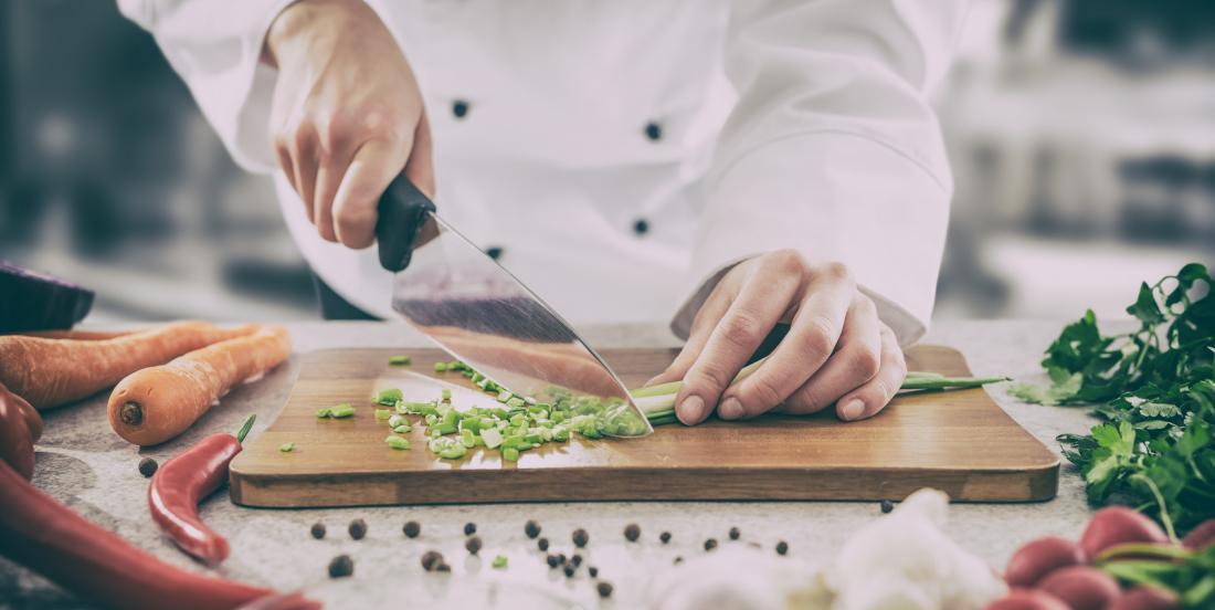 12 astuces que les cuisiniers professionnels utilisent à la maison