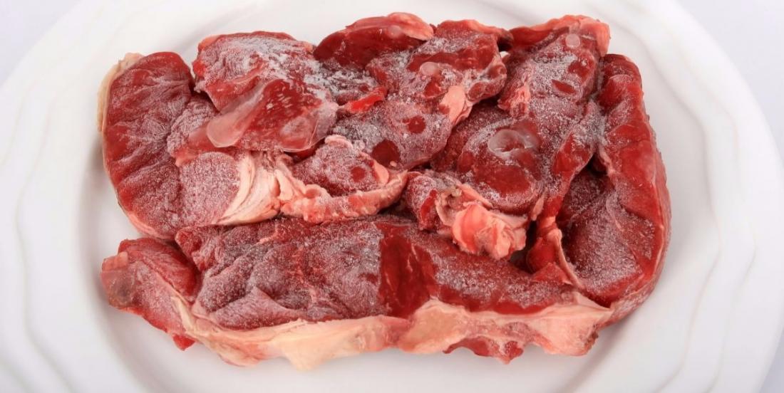 Dégelez votre viande en quelques minutes seulement avec cette méthode sans danger