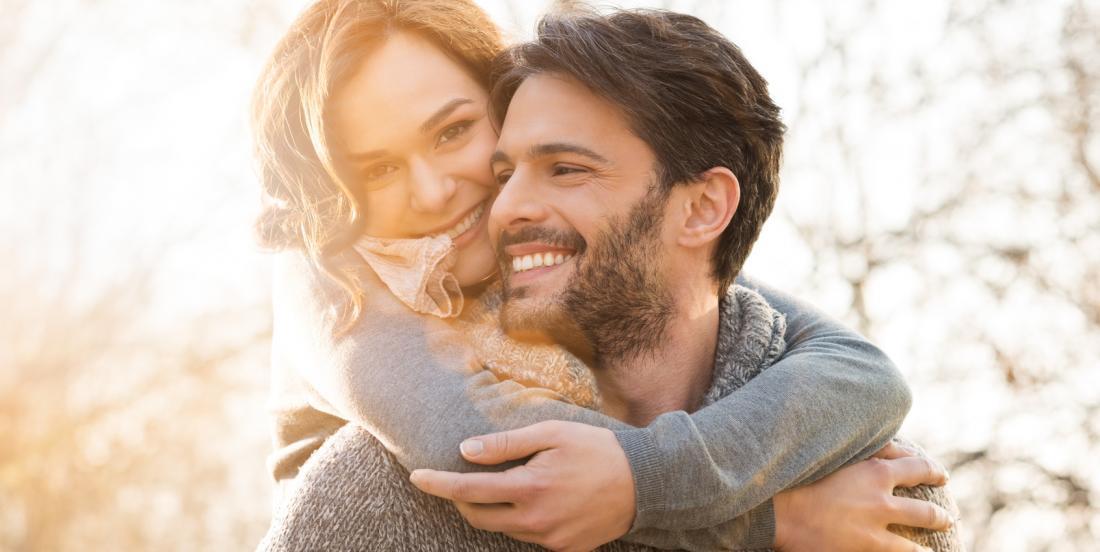 Être heureux en couple fait grossir, selon les scientifiques!