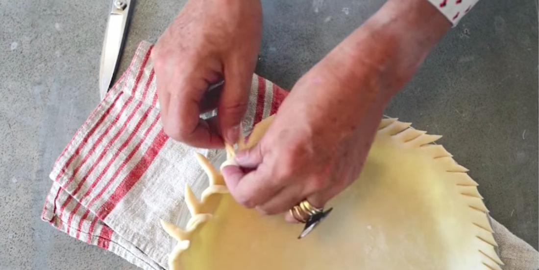 20 belles idées de croûtes à tartes facilement réalisables, observez bien la seconde, c'est la plus facile.