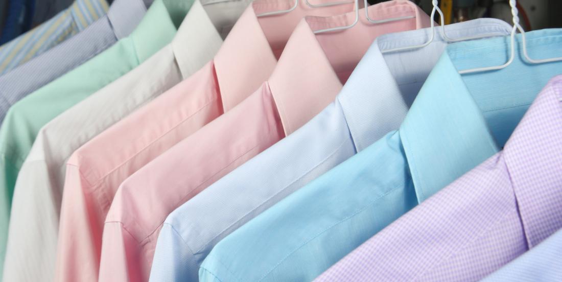 Savez-vous pourquoi les boutons sur les chemises des hommes et des femmes ne sont pas du même côté?