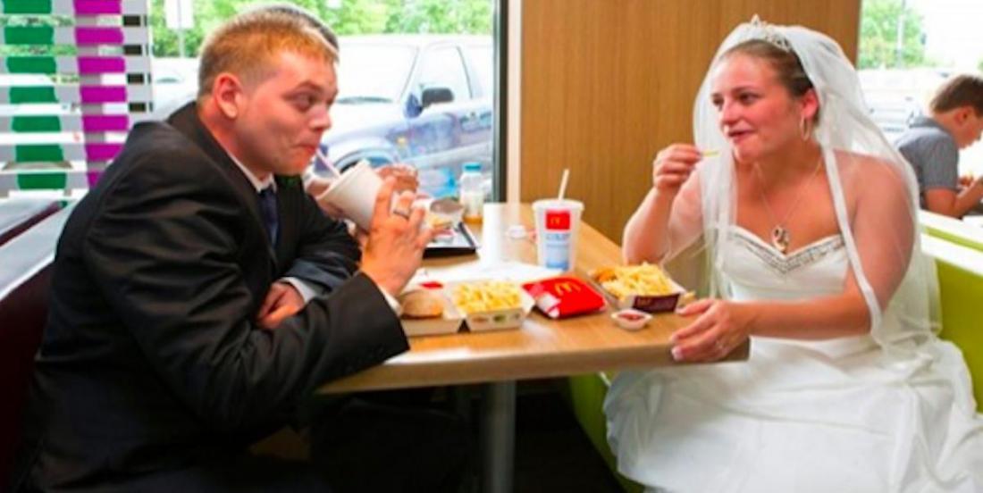 En Angleterre, les amateurs de fast-food peuvent désormais se marier chez Mc Do, Burger King ou PFK!