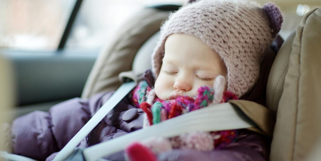 Voici pourquoi vous ne devriez jamais mettre un manteau d'hiver à un bébé en voiture