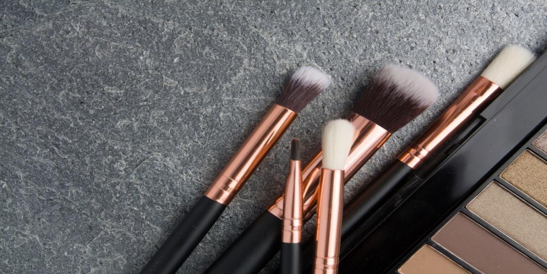 Comment bien nettoyer vos pinceaux à maquillage!