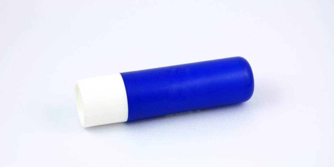 6 façons d'utiliser le baume à lèvres pour vous sortir de l'embarras!