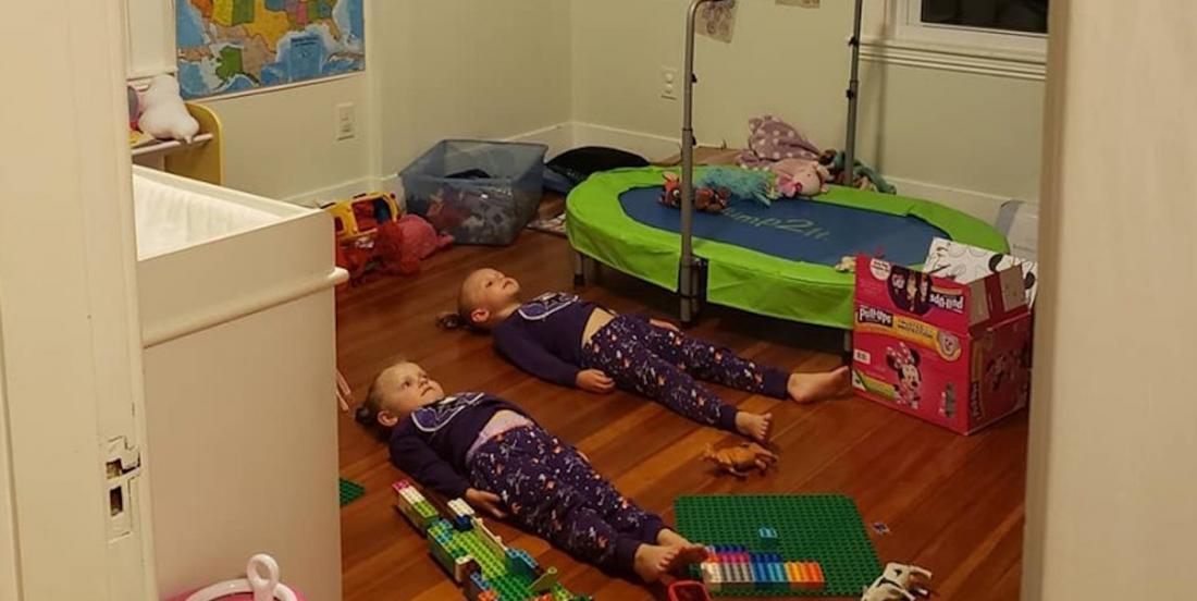 « Vous cherchez un moyen de garder vos enfants immobiles? Achetez-leur des pyjamas qui brillent dans le noir », suggère une maman!