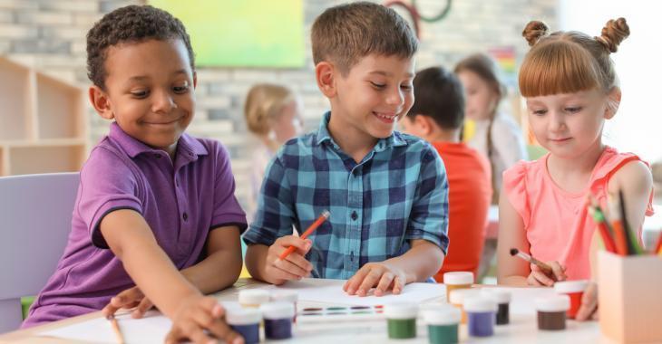 10 choses que vous devriez apprendre à votre enfant avant son entrée à la maternelle, selon des enseignants.